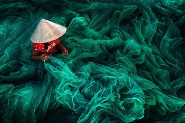 First place Open Color category, phan rang fishing net making