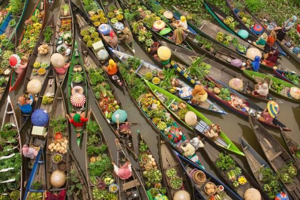 Mercado flotante, Malasia (3er lugar en la categoría de viajes)