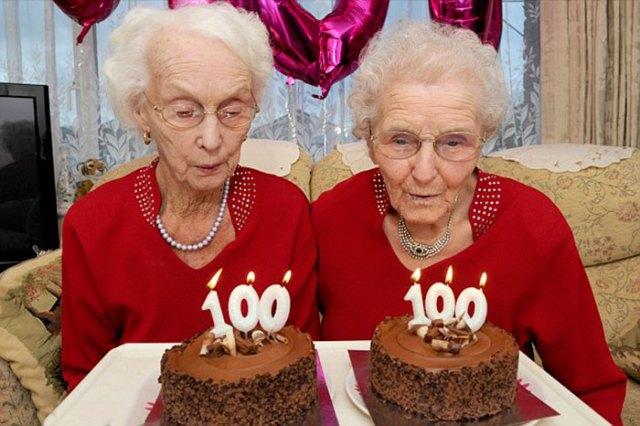 twin-sisters-celebrate-100th-birthday-irene-crump-phyllis-jones-14