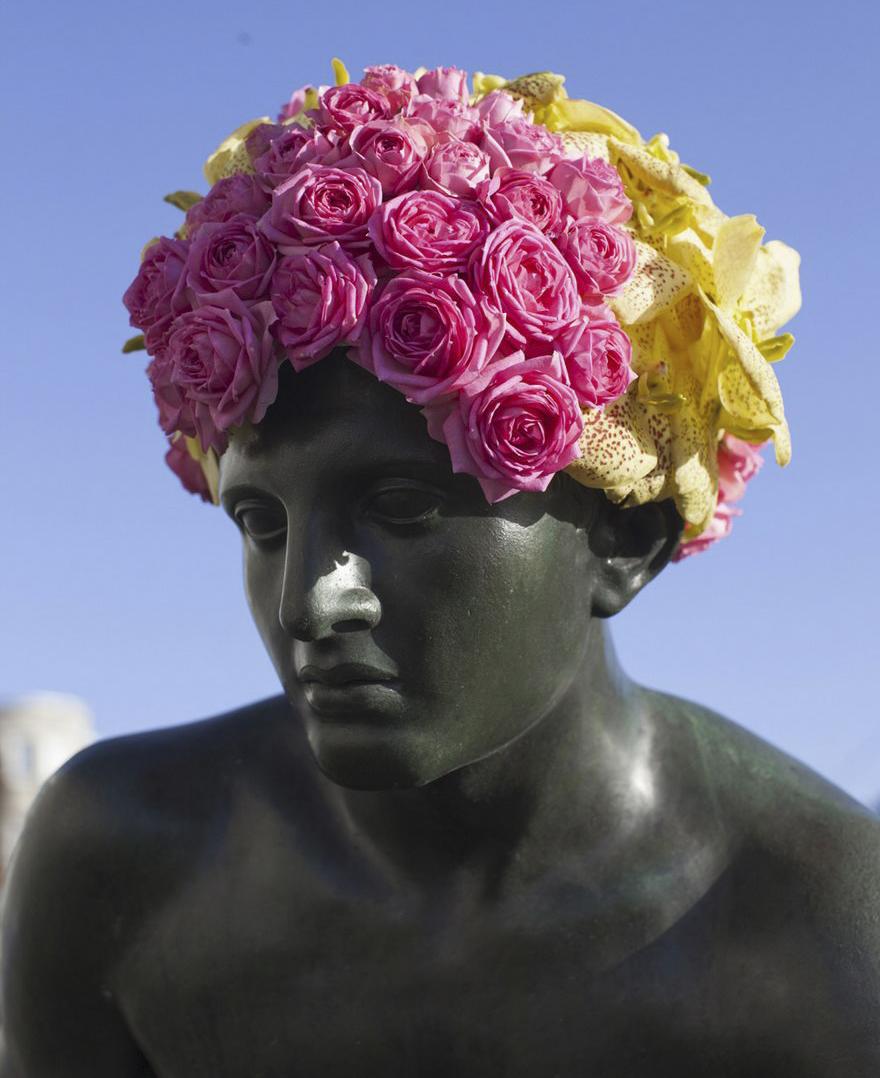 Çiçek kronları-sakal-anıtlar-geoffroy-mottart-brüksel-4
