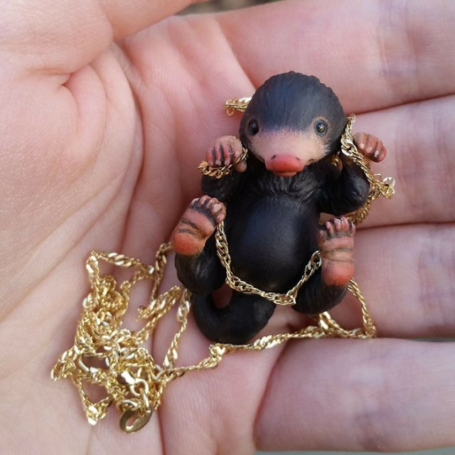 cute-niffler-necklace-aisha-voya-2
