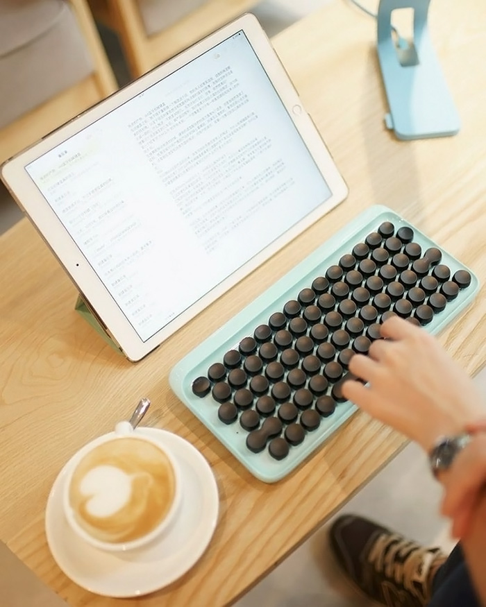 hipster-retro-typewriter-keyboard-lofree-v27