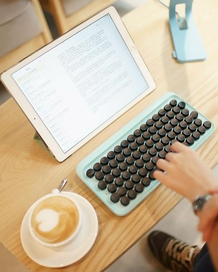 hipster-retro-typewriter-keyboard-lofree-v27