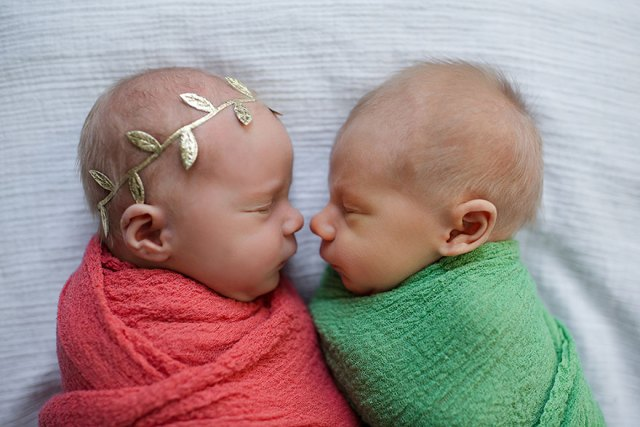 twin-photoshoot-newborn-final-moments-william-brentlinger-lindsey-brown-11