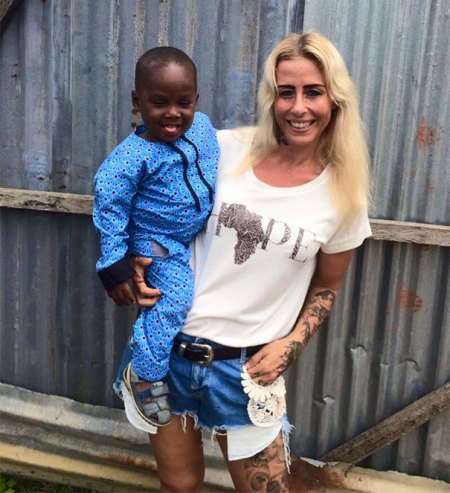 nigerian-starving-thirsty-boy-first-day-school-anja-ringgren-loven-4