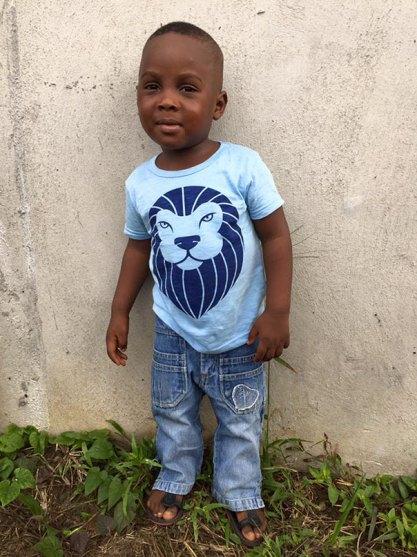 nigerian-starving-thirsty-boy-first-day-school-anja-ringgren-loven-5