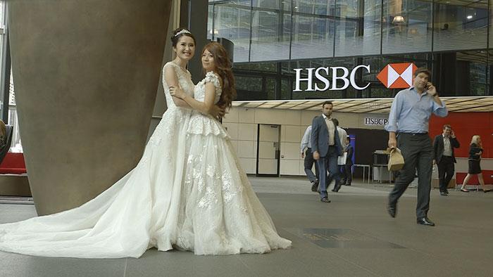 lgbt-wedding-boos-walks-down-aisle-hsbc-8