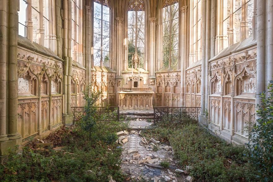 Cappella In Francia - ora in fase di ristrutturazione