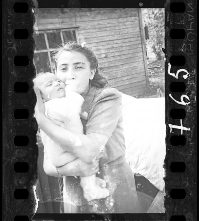 1940-1942: Woman With Her Child (Ghetto Policemen's Family)