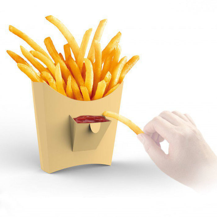 Caixa de batatas fritas com um bolso para ketchup