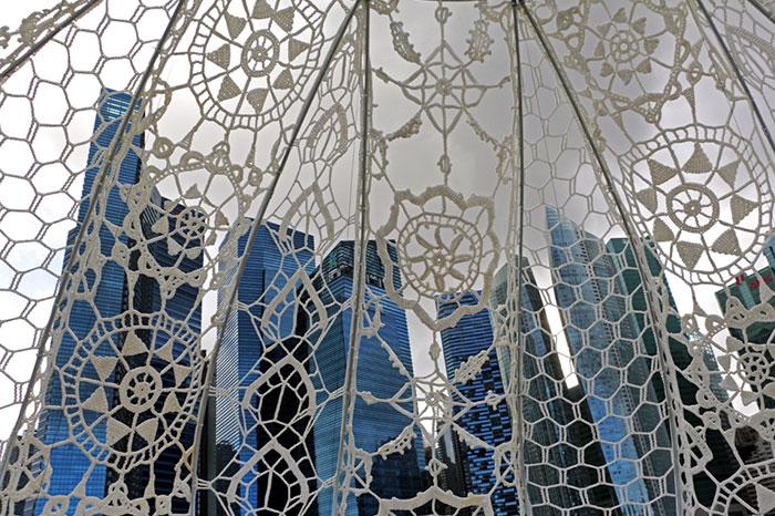 crocheted-urchins-sculpture-choi-shine-architects-singapore-marina-bay-14