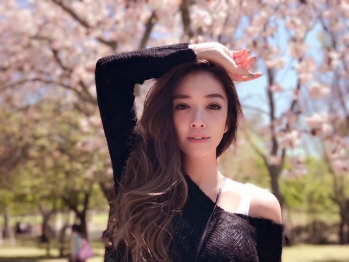 giovanile-taiwanese-donna-madre-sorelle-attirare-fayfay-sharon-Hsu-11