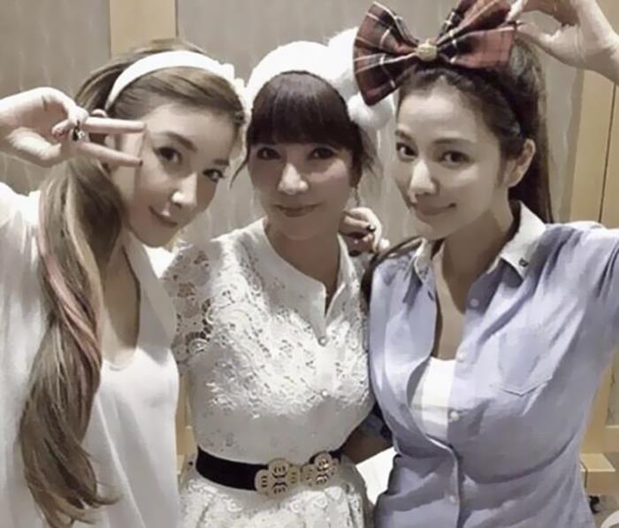 giovanile-taiwanese-donna-madre-sorelle-attirare-fayfay-sharon-Hsu-7