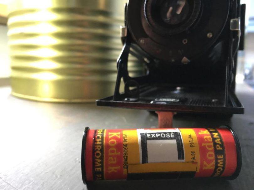 I developed an exposed roll of film from a 1929 folding medium format camera 596a1a4a14165  880 - Fotógrafo compra câmera de 1929 e acha negativo dentro