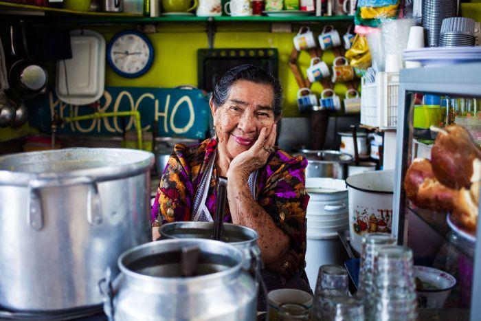 She photographed women in 60 countries to change the way we see beauty 59c8d07eec1d1  880 - Projeto de fotógrafa romena propõe tirar fotos de mulheres pelo mundo