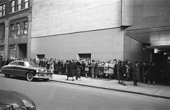 "Audience Waiting In Line To Get Into A Recording Of ""grand Slam"""