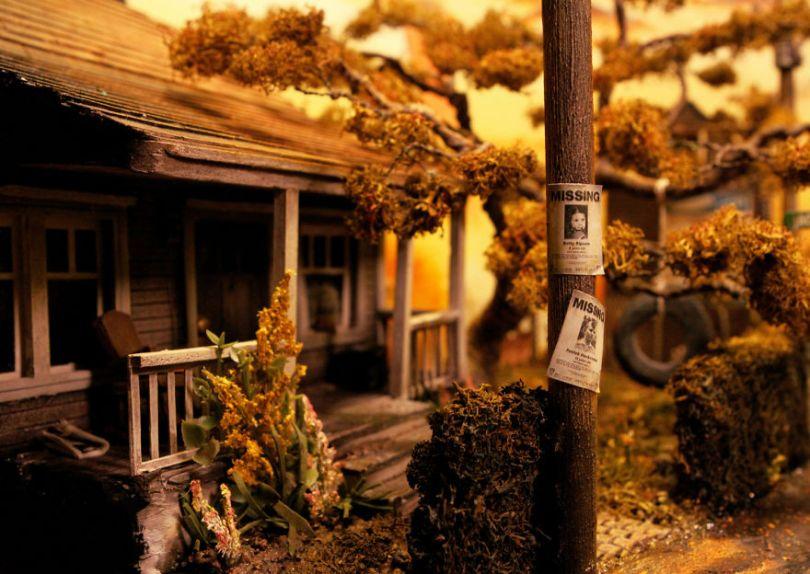 041  MG 5616 59d501c90a578  880 - Artista constrói mini cidade baseado em filme de Stephen King