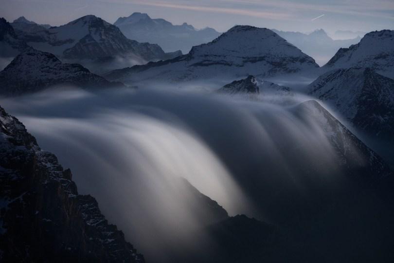Rios das nuvens ao luar