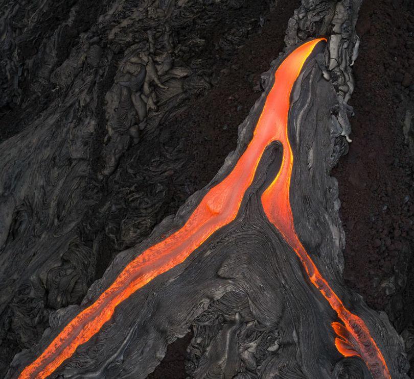 I melted my drone camera flying to close to the lava flows of mount Kilauea Hawaii 59f8c8873c65e  880 - Fotógrafo chega muito perto de lava com o seu Drone