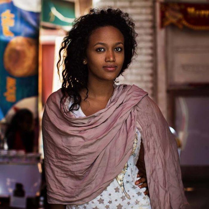 She photographed women in 60 countries to change the way we see beauty 59f0446e430cf  880 - Projeto de fotógrafa romena propõe tirar fotos de mulheres pelo mundo