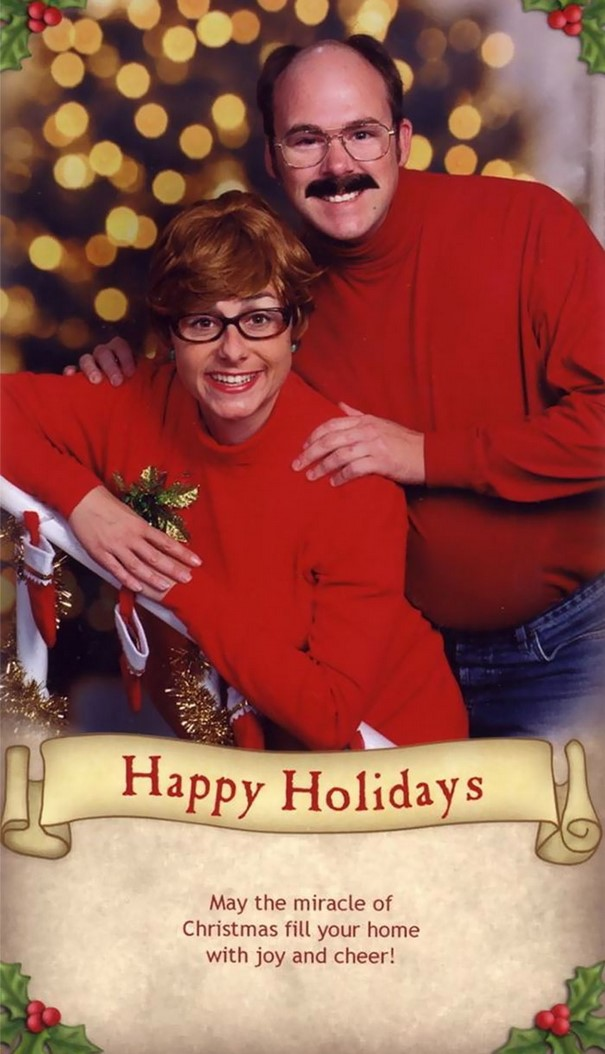 Family Sends The Most Awkward Christmas Cards For 15 Years
