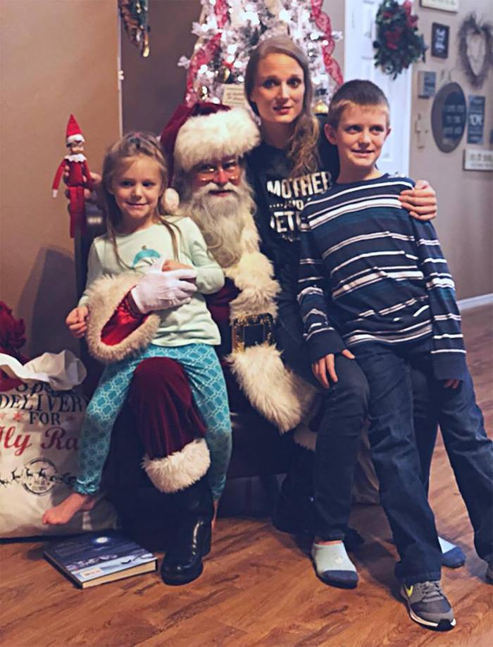 mom lies christmas elf shelf brittany mease 21 5a3a213b7513f  700 - Mom's Lies About The Elf On The Shelf Backfire Hilariously
