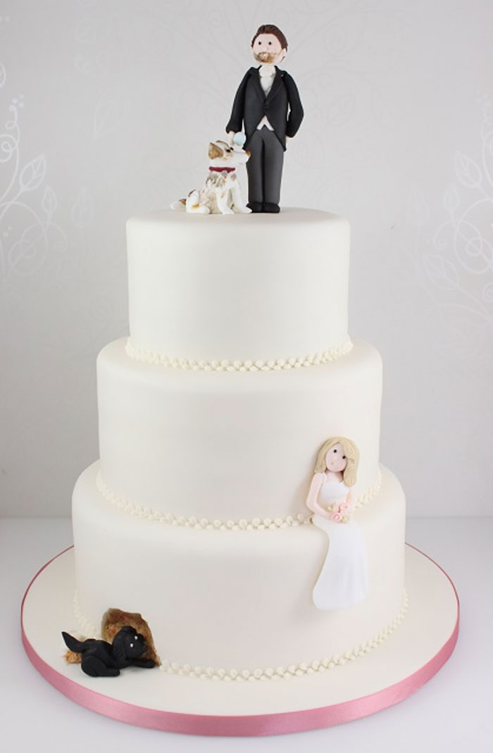 Couples Found A Way To Include Their Dogs Into Their Wedding And     dog lover wedding cake topper 38