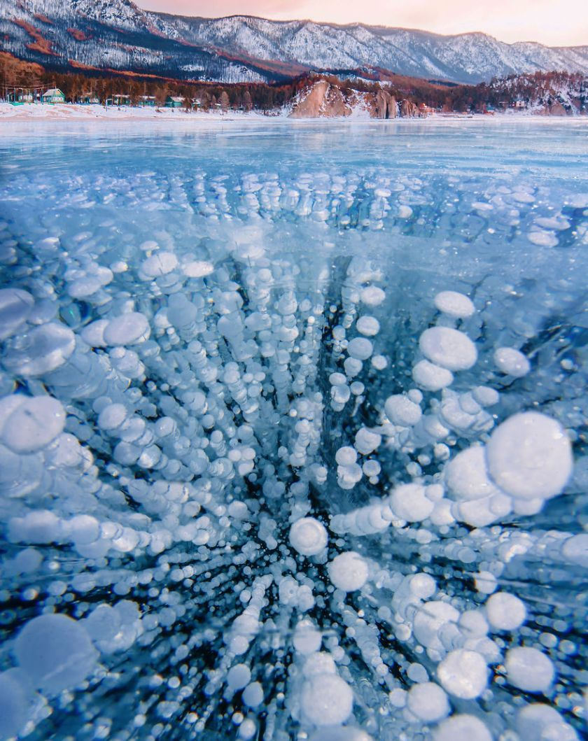 83C57DCE-5E7E-425F-B59F-A601F408EF9E-5abc9ee0e0e7e__880 I Walked On Frozen Baikal, The Deepest And Oldest Lake On Earth To Capture Its Otherworldly Beauty Again Design Photography Random