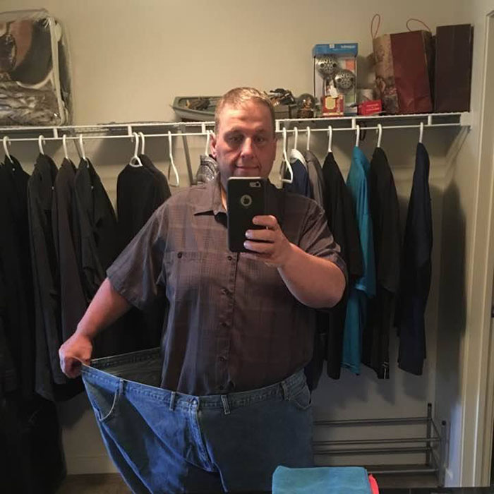 before-and-after-weight-loss-tony-bussey-fort-mcmurray-alberta-canada-16-5ac36dda0e9f8__700 Obese Dad Finds Out He Needs 2 Seats On Evacuation Flight, Transforms His Body Beyond Recognition In 2 Years Design Random