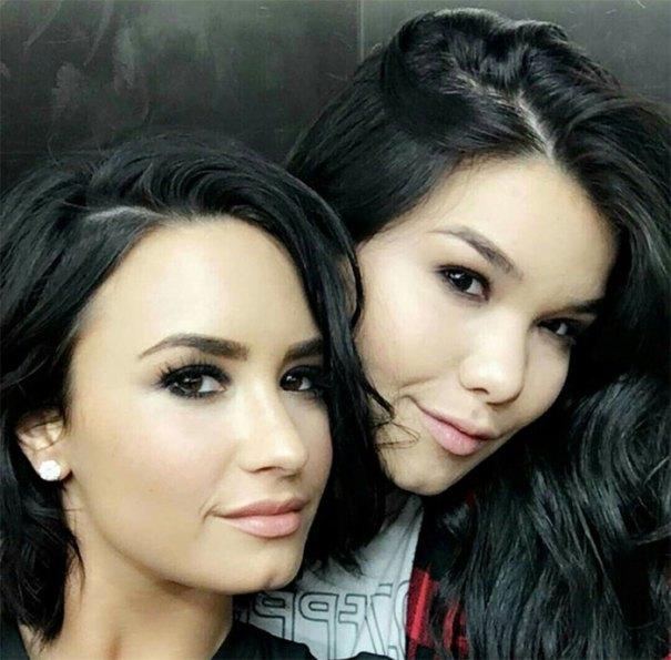 Demi Lovato With Her Younger Sister Madison De La Garza