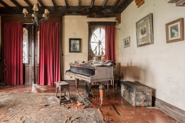 requiem-pour-pianos-37-5adc430402197__700 I Travel Through Europe In Search Of Forgotten Pianos In Abandoned Places Design Photography Random