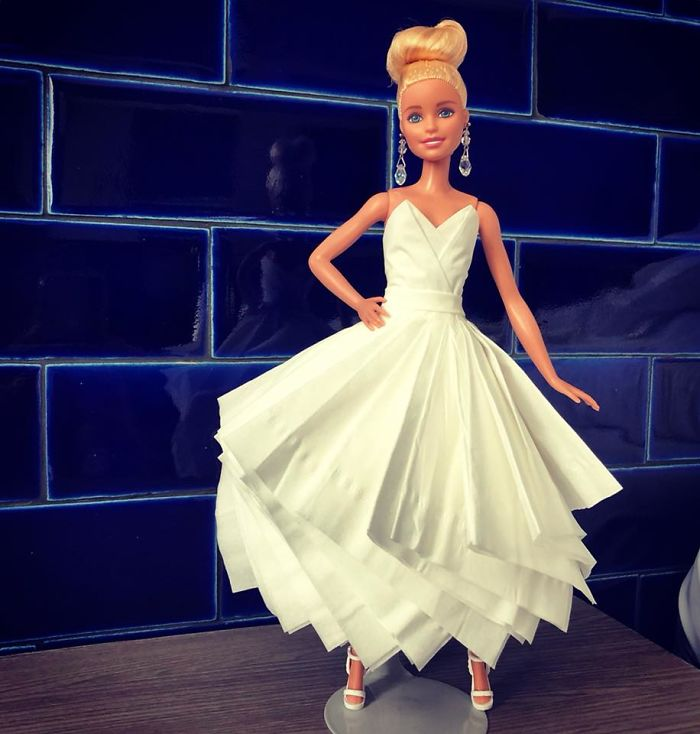 tissue-10-5ac238ec23f3f__700 Man Uses Toilet Paper And Tissues To Create Wedding Dresses For His Barbies, And Result Is Amazing Art Design Random