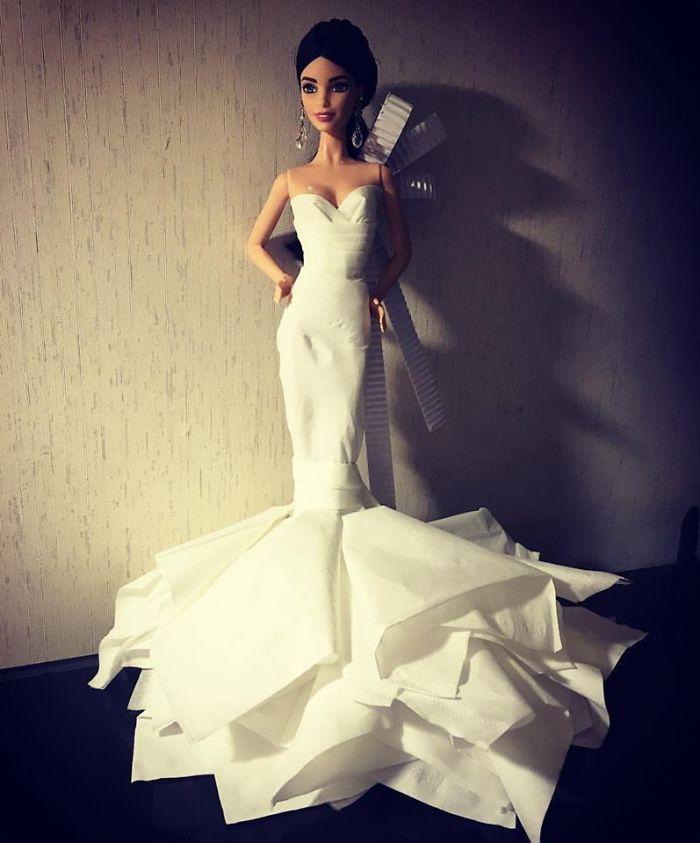 tissue-24-5ac23923207fc__700 Man Uses Toilet Paper And Tissues To Create Wedding Dresses For His Barbies, And Result Is Amazing Art Design Random