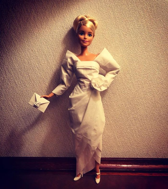 tissue-4-5ac2387ed6caf__700 Man Uses Toilet Paper And Tissues To Create Wedding Dresses For His Barbies, And Result Is Amazing Art Design Random