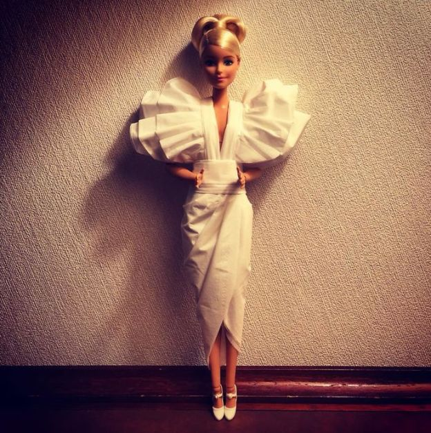 tissue-5-5ac2388606a81__700 Man Uses Toilet Paper And Tissues To Create Wedding Dresses For His Barbies, And Result Is Amazing Art Design Random