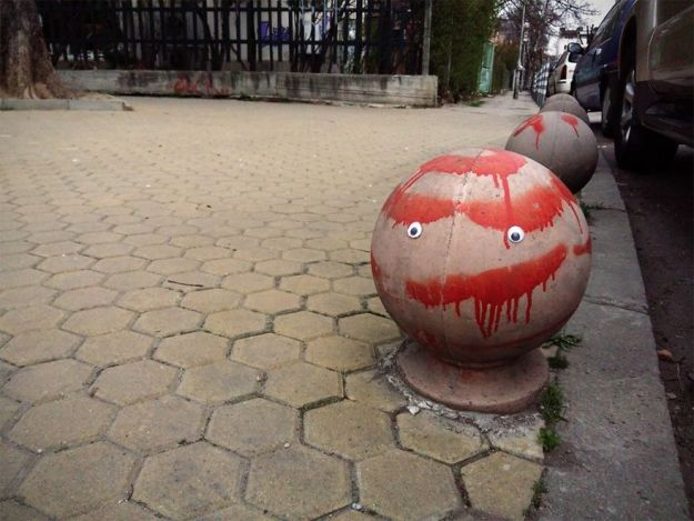 I-Bring-Bulgarian-Streets-To-Life-By-Putting-Googly-Eyes-On-Random-Objects-New-Pics-5aec0684a773f__880 I Bring Bulgarian Streets To Life By Putting Googly Eyes On Random Objects (New Pics) Art Design Random