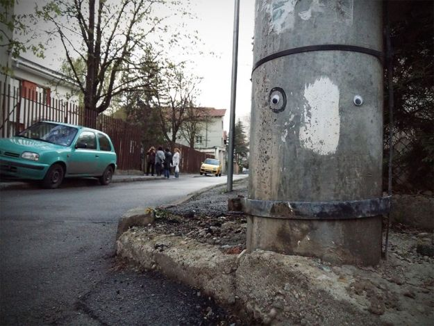 I-Bring-Bulgarian-Streets-To-Life-By-Putting-Googly-Eyes-On-Random-Objects-New-Pics-5aec068962eb9__880 I Bring Bulgarian Streets To Life By Putting Googly Eyes On Random Objects (New Pics) Art Design Random