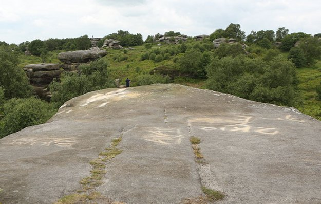 brimham-rock-york-moors-vandalism-north-yorkshire-5b2227d2291b2__700 Teens Destroy 320,000,000 Years Of History In A Few Seconds, And The Way It Looks Now Infuriates Everyone Design Random