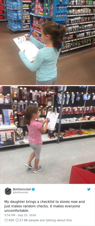 Mi hija hace sentir a todo el planeta incómodo cuando hace esto al azar en las tiendas