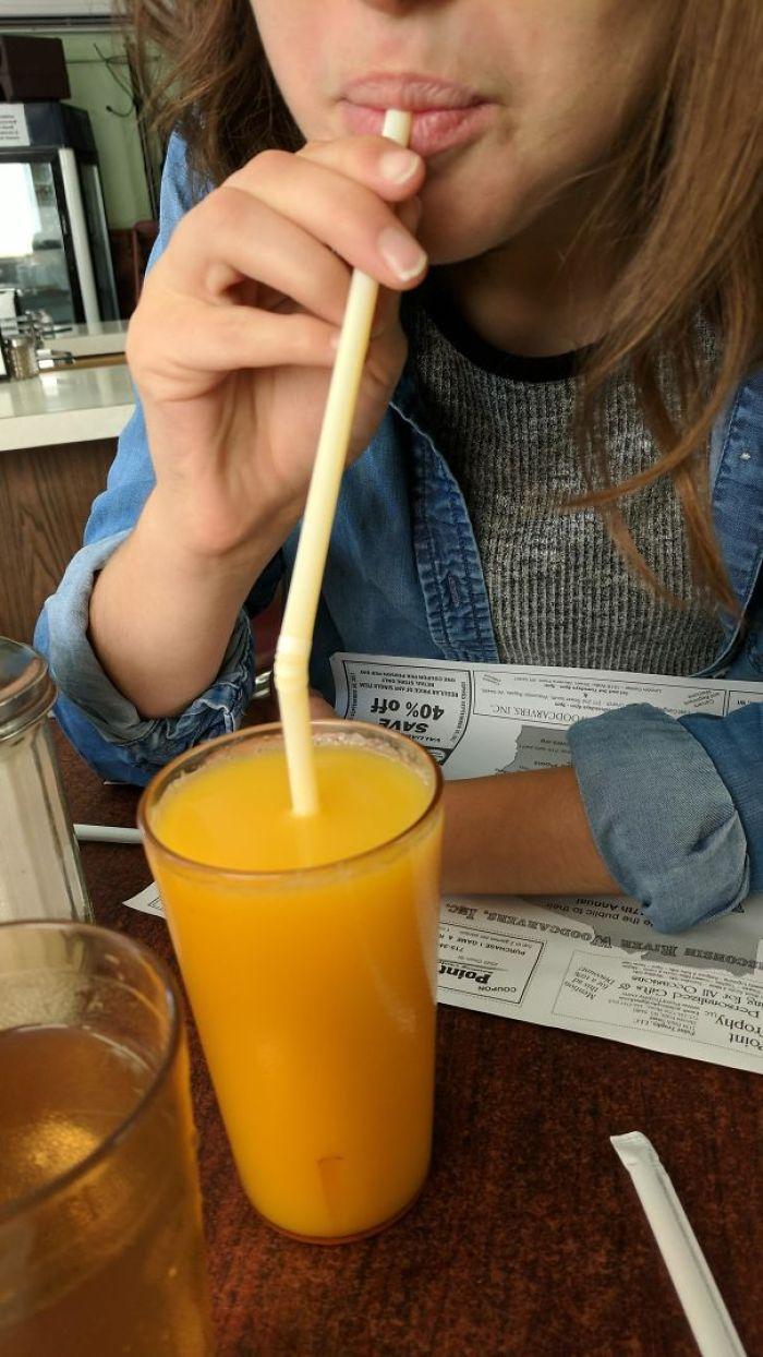 My Girlfriend Uses Bendy Straws This Way