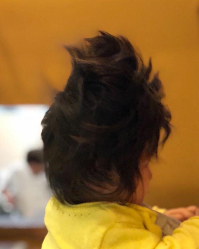 This baby hairy will be the cutest thing youll ever see today 5b502feaf1e39  700 - Ela ficou conhecida na Internet como o bebê mais cabeludo do mundo