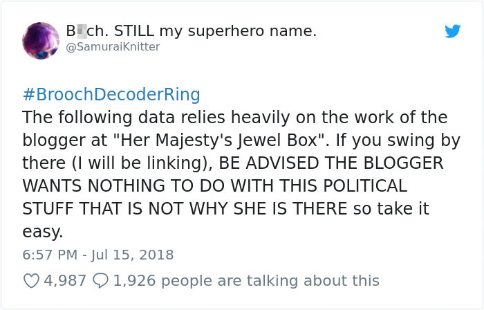 england-queen-brooch-trolling-donald-trump-1-5b4dead52d54e__700 Someone Noticed The Subtle Way The Queen Trolled Trump, And This Theory Is Taking Internet By Storm Design Random
