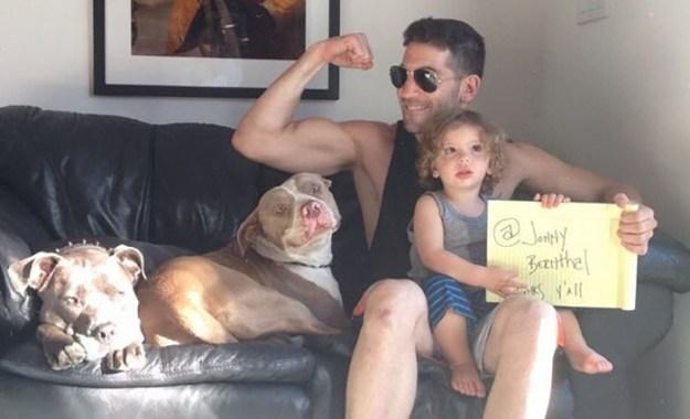 pitbull-lover-jon-bernthal-26-5b588e4871a73__700 Heartwarming Photos Of 'The Walking Dead' Star With His 3 Rescue Pit Bulls Will Melt Your Heart Design Random