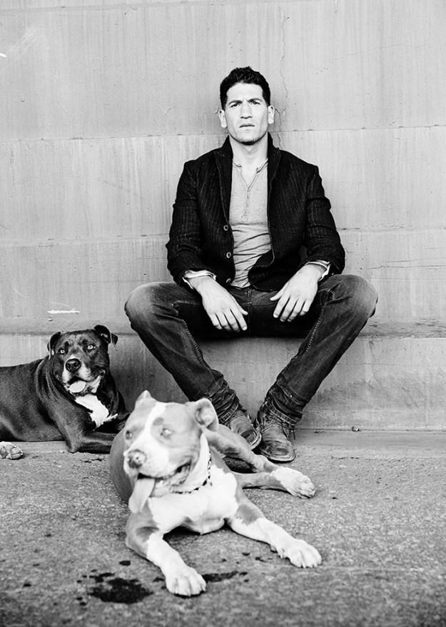 pitbull-lover-jon-bernthal-5-5b588e1bb58e5__700 Heartwarming Photos Of 'The Walking Dead' Star With His 3 Rescue Pit Bulls Will Melt Your Heart Design Random