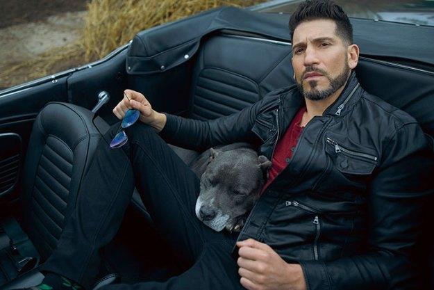 pitbull-lover-jon-bernthal-5b598e8d1c614__700 Heartwarming Photos Of 'The Walking Dead' Star With His 3 Rescue Pit Bulls Will Melt Your Heart Design Random