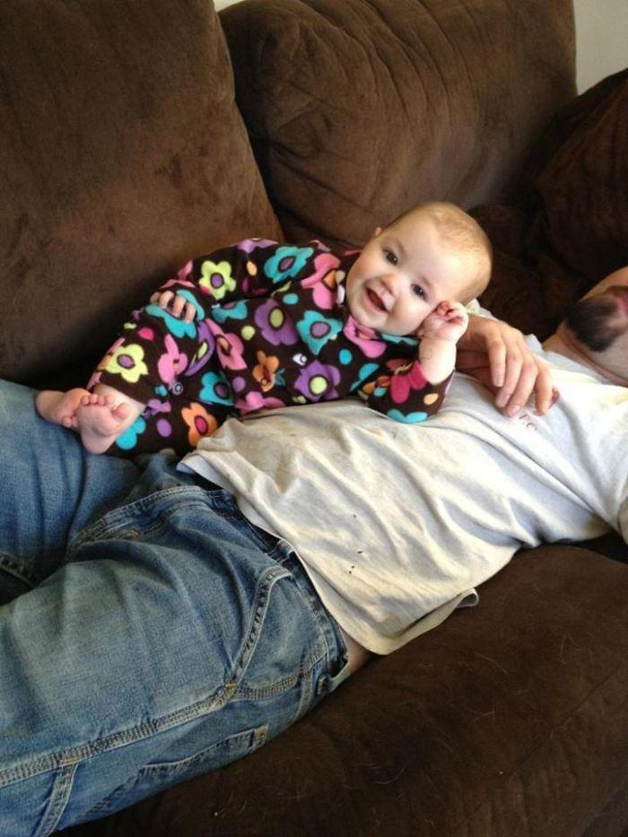Sólo mi sobrina de 7 meses posando como un jefe