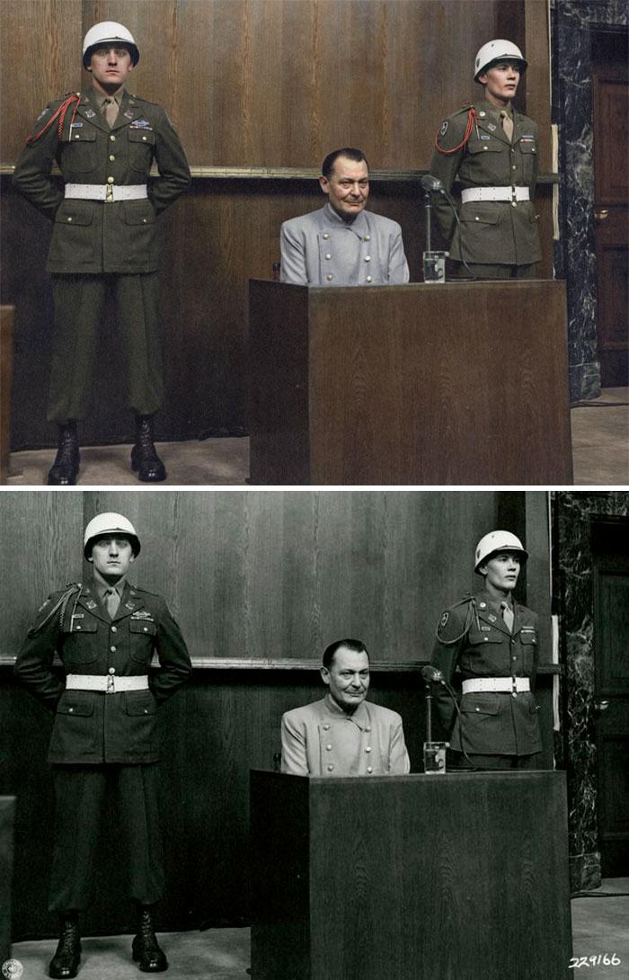 Hermann Göring se sienta en el muelle en el juicio de Nuremberg, 1946