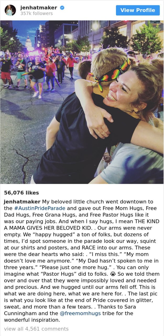 free-mom-hugs-lgbtq-pride-austin-new-church-texas-jen-hatmaker-1-5b76d3bd5a5f2__700 Church Offers 'Free Mom Hugs' To People Shunned By Their Families For Being Gay, And Their Reactions Are Heart-Melting Design Random