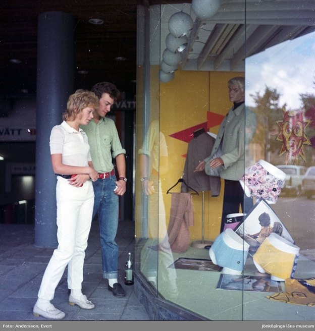 photography-70s-people-huskvarna-evert-andersson-sweden-12-5b7420fc993ec__700 These 20+ Photos From A Swedish Huskvarna Town In The 70s Prove Things Were Cooler Back Then Design Photography Random