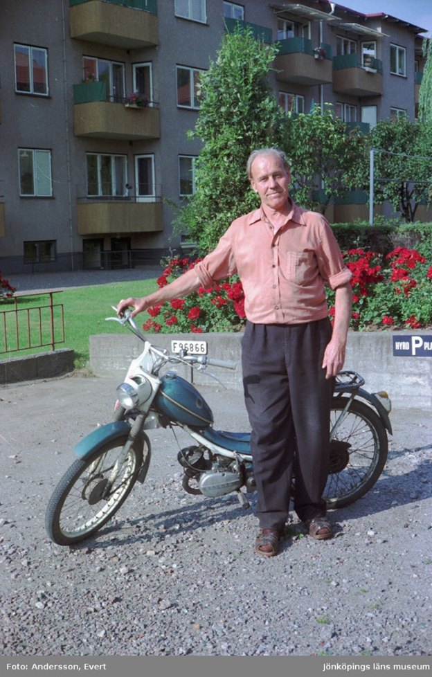 photography-70s-people-huskvarna-evert-andersson-sweden-20-5b74210fc4e38__700 These 20+ Photos From A Swedish Huskvarna Town In The 70s Prove Things Were Cooler Back Then Design Photography Random